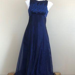Zum Zum by Niki Livas prom dress, size 5/6